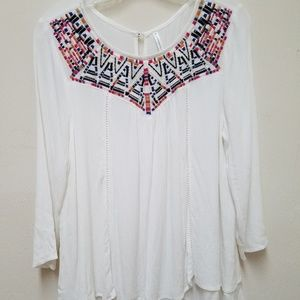 NWOT Woman's Tunic Embroidered White Top Blouse